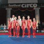 1 GOLD PRIZE - GUANGDONG ACROBATIC TROUPE - CHINA - CONTORTION